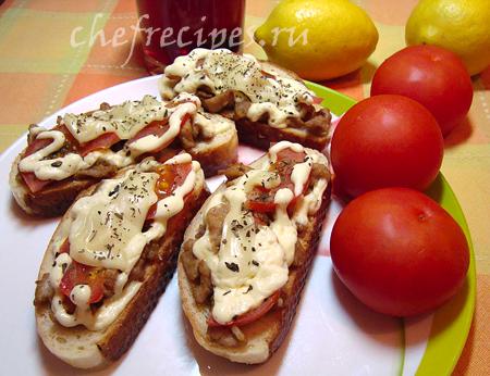 Горячие бутерброды с жареной свининой