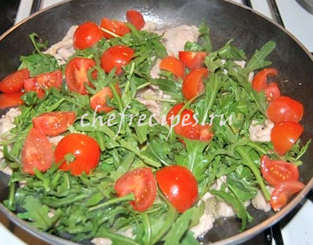Жареная телятина с помидорами