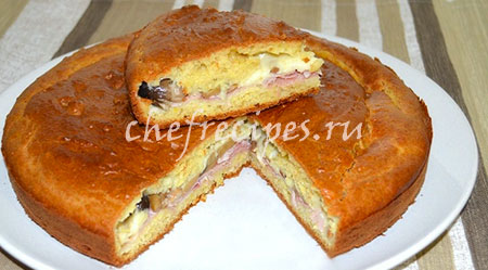 Закрытый пирог с ветчиной и грибами