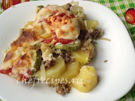 Фарш, запеченный в духовке с овощами