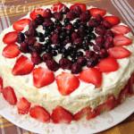 торт с клубникой и маскарпоне
