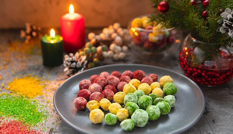 Клюква в цветном сахаре. Новогоднее лакомство.