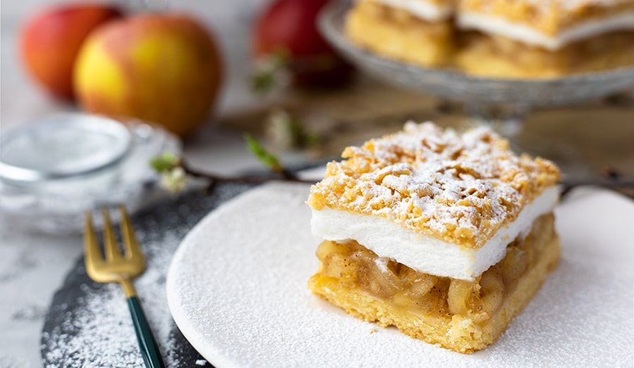 Мягкое песочное печенье-слойка с яблоками